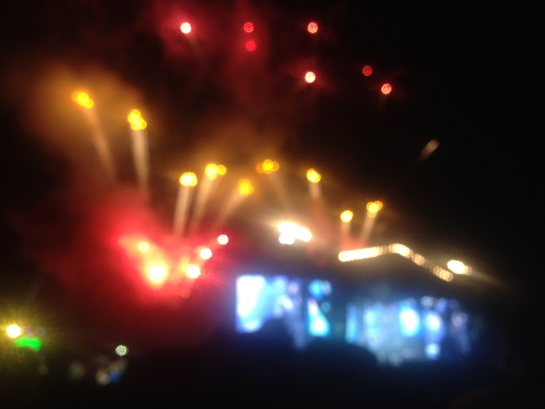 Black Sabbath Firework Finale - out-of-focus due to artistic impulse and just plain over-excitement.